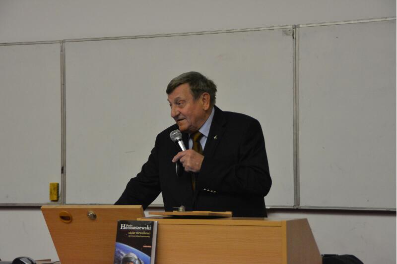 Mirosław Hermaszewski opowiada o swojej misji orbitalnej / Credits - Kosmonauta.net