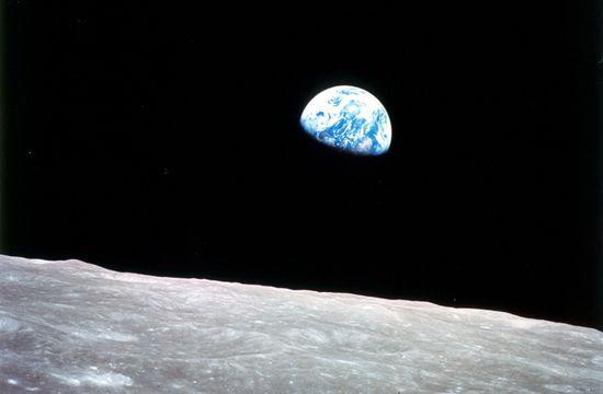 Zdjęcie wschodu Ziemi wykonane podczas misji Apollo 8 / Credits: NASA