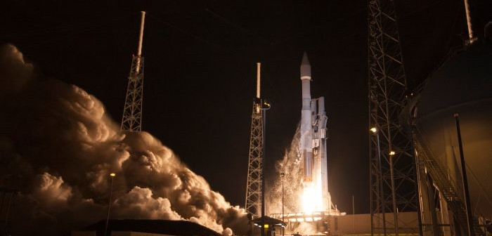 Start rakiety Atlas 5 z satelitą TDRS L / Credits: ULA