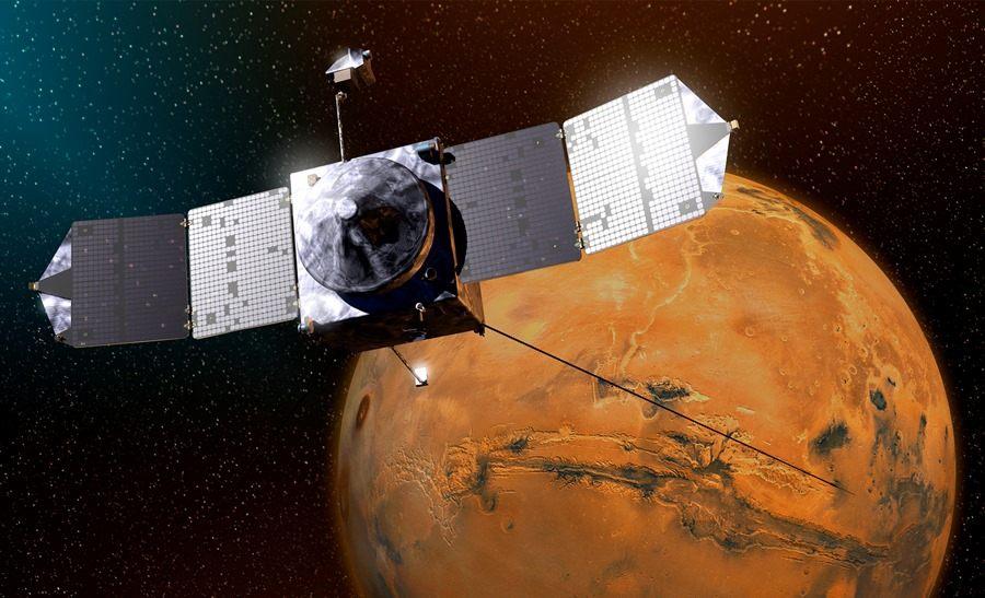 Sonda MAVEN na orbicie Marsa - wizualizacja / Credits: NASA-GSFC
