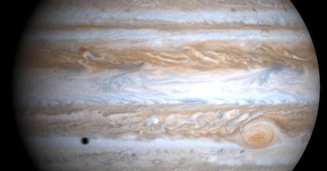 Jowisz - największa planeta naszego Układu Słonecznego / Credits - NASA