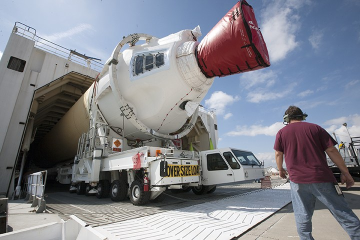 Elementy Delta IV Heavy dla Oriona / Credits: NASA