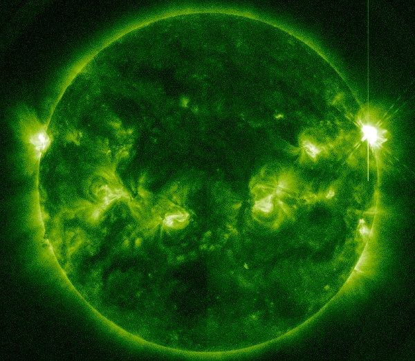 Dziewięć minut po fazie maksymalnej rozbłysku M9.3 z 12 marca / Credits - NASA, SDO