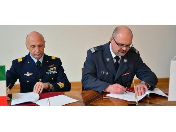 Podpisanie umowy polsko-włoskiej / Credits: mjr R. Siemaszko - DPI MON