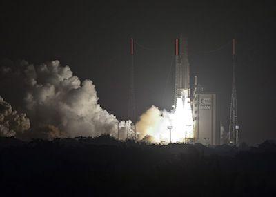Start rakiety Ariane 5 z ASTRA 5B i Amazonas 4A