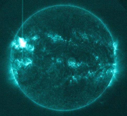 Na 7 minut przed fazą maksymalną rozbłysku klasy M6.5 z 2 kwietnia 2014 / Credits - NASA, SDO