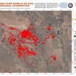 Mapa wykonana przez UNITAR-UNOSAT na podstawie zdjęć z satelitów WorldView-2 (29 kwietnia 2014) i Pleiades (13 sierpnia 2012) przedstawiająca zalegającą wodę powodziową (czerwony obszary) i tereny podmokłe (bladoczerwony) w miasteczku Khwaja du Koh, w afgańskiej prowincji Dżozdżan, i w jego okolicach.