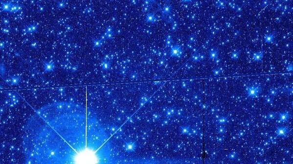 Początek poszukiwań KBO przez HST / Credits - NASA, ESA