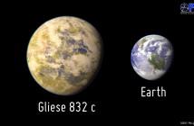 Porównanie Gliese 832 c do Ziemi / Credits - PHL @ Arecibo