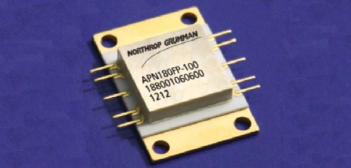 Układ APN180FP firmy Northrop Grumman, wzmacniacz mocy wykonany w technologii HEMT na azotku galu / Credits: Northrop Grumman