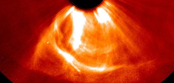 CME zbliżające się do sondy STEREO-A - 23 lipca 2012 / Credits - NASA