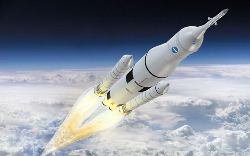 Rakieta SLS - jeden z obecnie najdroższych projektów NASA / Credits - NASA