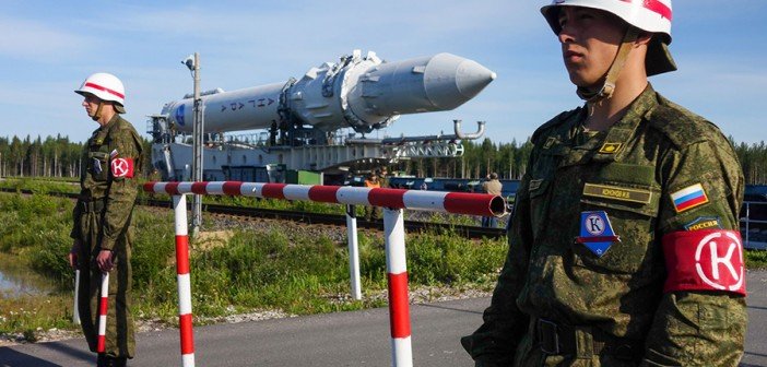 Wytaczanie rakiety Angara-1.2PP / Credit: MO RF