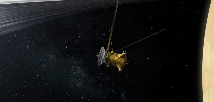 11 lat zdjęć z sondy Cassini (2004-2015)