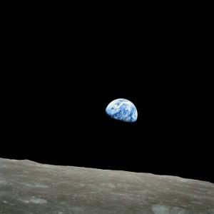 Wschód Ziemi nad Księżycem - misja Apollo 8 / Credits - NASA