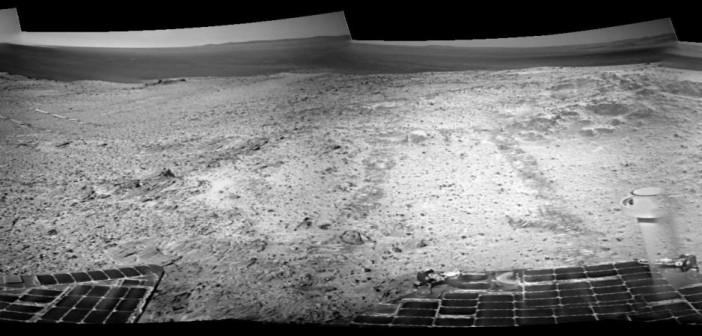 Złożenie zdjęć wykonanych przez Opportunity w trakcie sol 3705 / Credits: NASA-JPL