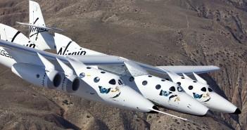 WhiteKhnightTwo w locie z podwieszonym SpaceShipTwo, 22 marca 2010 / Credits: Virgin Galactic