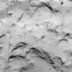 Zbliżenie miejsca J, kandydata na lądowisko Philae / Credit: ESA/Rosetta/MPS for OSIRIS Team MPS/UPD/LAM/IAA/SSO/INTA/UPM/DASP/IDA