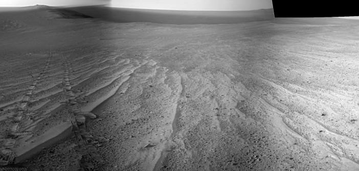 Panorama trasy przebytej przez Opportunity, wykonana w trakcie sol 3749, tj. 10 sierpnia / Credit: NASA/JPL