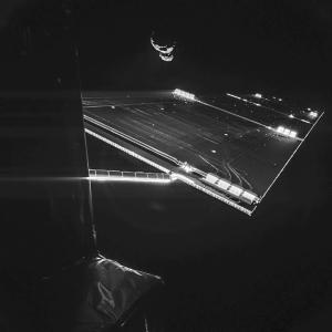 Portret Rosetty i komety 67P wykonany przez kamerę lądownika Philae