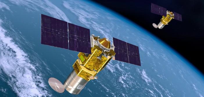 Wizja artystyczna przedstawiająca dwa satelity Boeing 502 Phoenix na orbicie. Dwa pierwsze statki tego typu zamówiła firma HySpecIQ. Te małe satelity mają wymiary 1,25 m x 1,25 m x 1 metr. Pierwszy ma zostać wyniesiony w 2018 r.