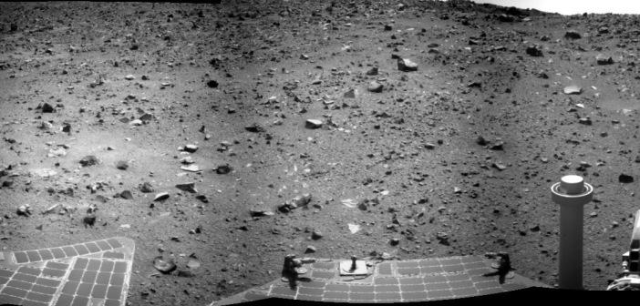 Fragment panoramy Marsa wykonanej kamerą NAVCAM łazika Opportunity w trakcie sol 3785
