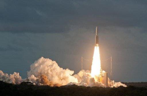Start Ariane 5 z DirectTV-14 i GSAT-16 / Credits - ArianeSpace