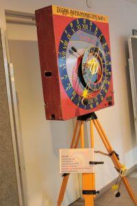 Replika zegara w wykonainu Krzysztofa Piaseckiego z PTMA