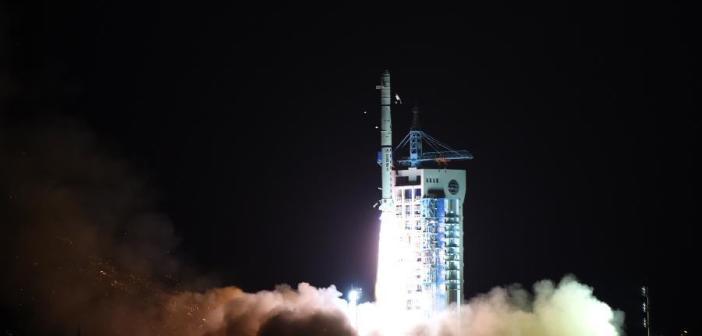 Start rakiety Chang Zheng 4C z satelitami Yagon-25A, B i C z kosmodromu Jiuquan