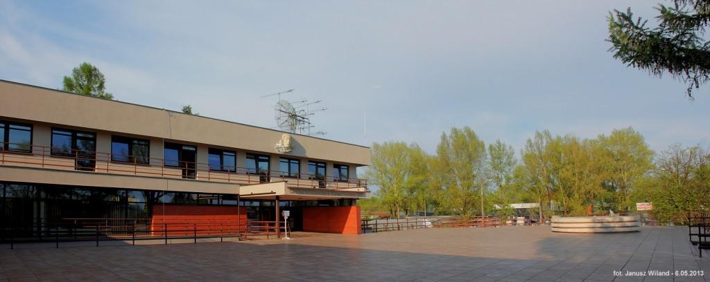 Centrum Astronomiczne Mikołaja Kopernika w Warszawie, gdzie znajduje się centrum kontroli BRITE-PL. Na dachu zamontowano anteny służące m.in. do komunikacji z satelitami Lem i Heweliusz / Credits - Janusz Wiland