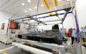 Model osłony termicznej sondy Solar Orbiter / Credit: Airbus D&S UK