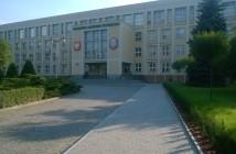 Wojskowa Akademia Techniczna - gmach główny / Credits - Seeksoul, CC BY-SA 4.0