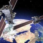 Arabsat-6A (po lewej) i Hellas-Sat-4/SaudiGeoSat-1 - wizja artystyczna / Credit: Lockheed Martin