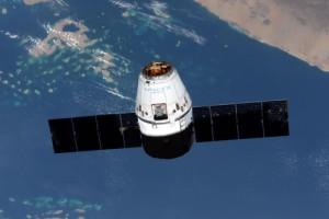 Statek Dragon w misji CRS-6. Zdjęcie: NASA, Terry Virts
