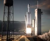 Przygotowania do debiutu rakiety Falcon Heavy