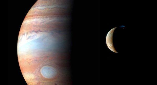 Zdjęcie Jowisza oraz jego księżyca Io wykonane podczas przelotu w pobliżu przez sondę New Horizons w 2007 roku (w drodze do planety karłowatej Pluton) / Źródło: NASA/Johns Hopkins University Applied Physics Laboratory/Southwest Research Institute/Goddard Space Flight Center