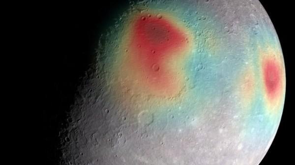 Zdjęcie: Obszary o gęstszej materii podpowierzchniowej na Merkurym. Źródło: NASA, GSFC's SVS, JHU's APL, Carnegie Inst. Washington