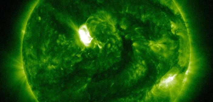 Tuż przed fazą maksymalną rozbłysku klasy M2.6 - 21.06.2015 / Credits - NASA, SDO