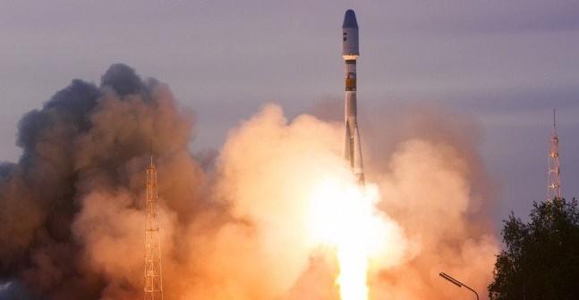 Start Sojuza 2.1b z Persona na pokładzie / Credits - Roskosmos