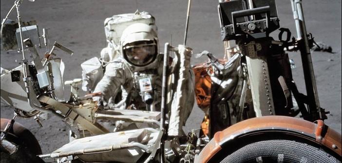 Astronauta Harrison Schmitt podczas misji Apollo 17 / Credits: NASA