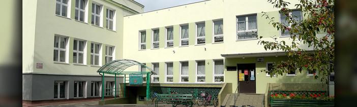 Zespół szkół nr 111 w Warszawie / Credit: Fundacja Edukacji Astronomicznej, Centrum Badań Kosmicznych PAN