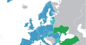 Państwa członkowskie ESA (kolor granatowy), współpracujące w ramach ECS (jasnoniebieski) oraz współpracujące (kolor zielony) / Credits - Ssolbergj, wikipmedia commons