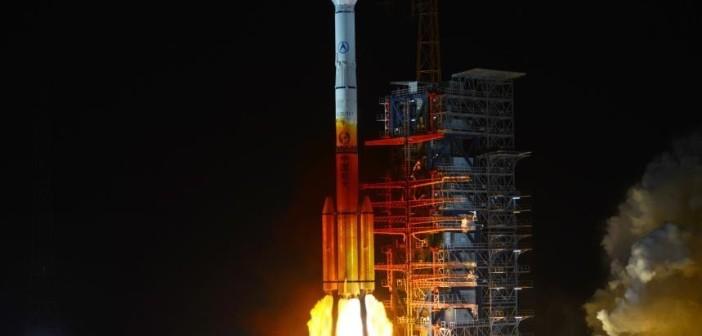 Start rakiety CZ-3B/YZ-1 z ładunkiem satelitów systemu Beidou (ChinaNews.com)