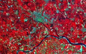 Nizina Padańska sfotografowana przez Sentinela-2A, 27 czerwca 2015 o godz. 10:25 UTC. Widoczne miasto Pawia nad rzeką Ticino, i rzeka Pad / Credit: Copernicus data (2015)/ESA