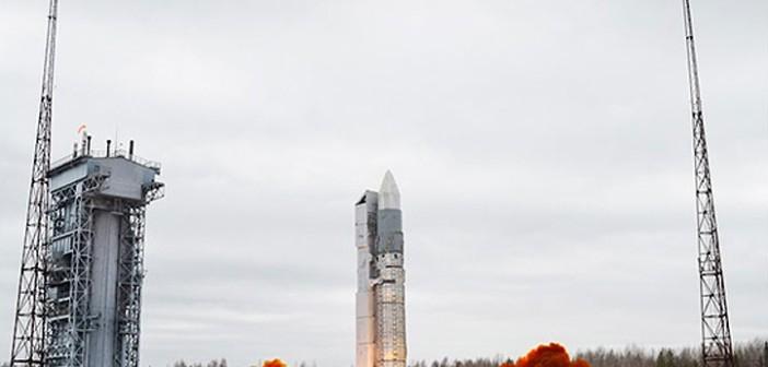 Start rakiety Rockot z satelitami systemu Goniec oraz Kosmosem 2504 (Rosyjskie Ministerstwo Obrony)