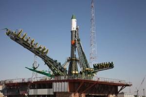 Statek towarowy Progress znajduje się na szczycie rakiety Sojuz / Źródło: Roskosmos