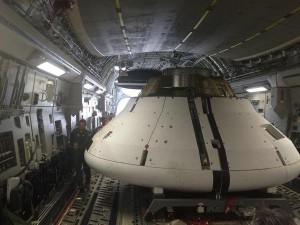 Zdjęcie modelu MPCV Orion przed zrzutem / Credits - NASA