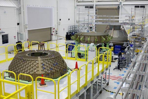 Elementy kapsuły CST-100 do testów strukturalnych / Credits - NASA, Boeing