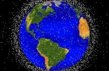 Śmieci kosmiczne na niskiej orbicie okołoziemskiej (LEO) / Credit: NASA