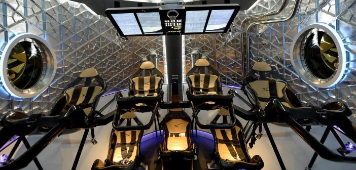 Wnętrze kapsuły Dragon V2 / Credit: SpaceX